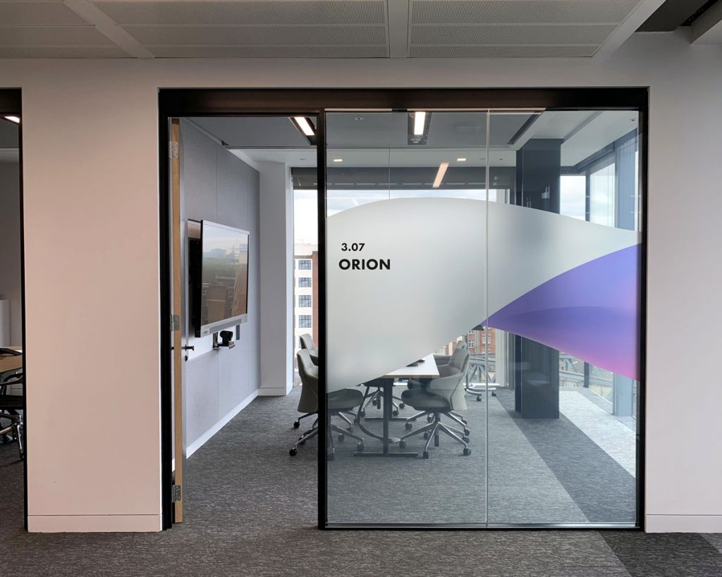 Finastra Orion room - Glass ON